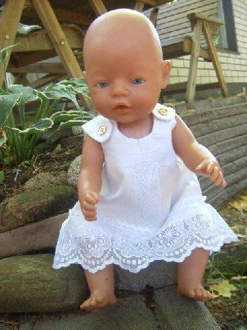 8babc6aebe2b Baby Bornin ja Bratzin vaatteita - Adeilan lankaholismi - Vuodatus.net